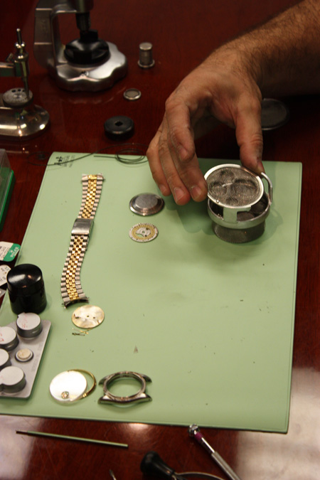 master_watch_repair132.jpg